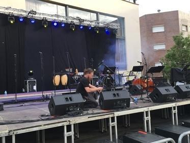 Muntatge audiovisual Concert Cornellà amb altaveus d&b audiotechnik serie Q