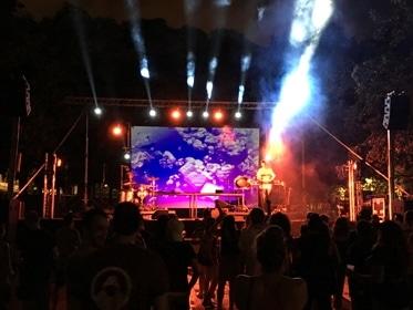 Festival de música electrónica con d&b audiotechnik y videoproyección