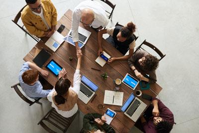 Reunio de treball per l'esdeveniment virtual