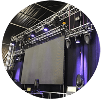 Concert amb pantalla led i il·luminació